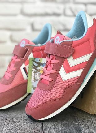Легкие кроссовки датского спортивного бренда hummel