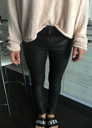 Крутые кожаные штаны/лосины h&m