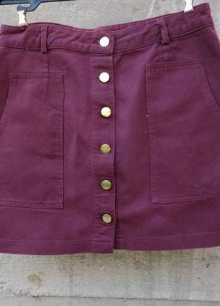Джинсовая юбка на пуговицах с карманами