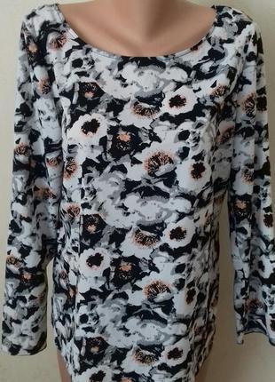 Красивая блуза с цветочным принтом и красивой спинкой papaya