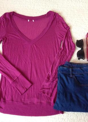 Тонкий пуловер с большим вырезом и манжетами на рукавах цвета фуксии 60 грн