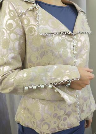 Винтажный пиджак  ручной работы с пуговицами под жемчуг.