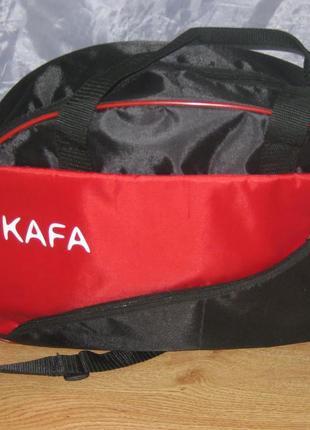 Красивая, аккуратная, практичная и  удобная сумка на все случаи - спорт, дорога, парк