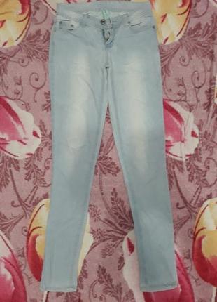 Голубые джинсы  denim co