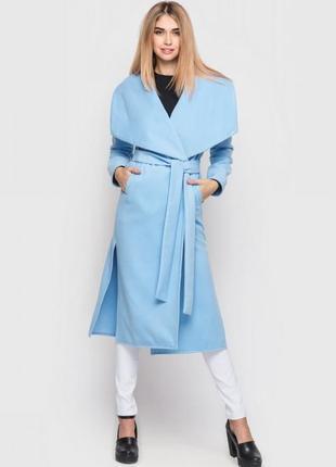 Красивое осеннее пальто