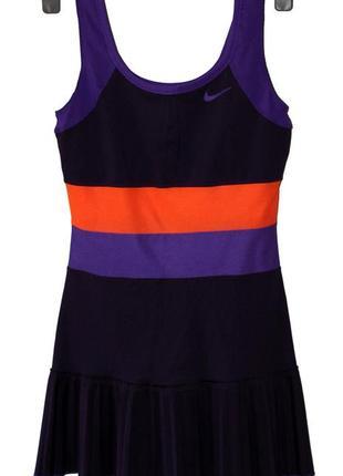 Спортивное платье от nike