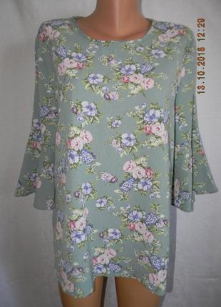 Блуза большого размера с нежным принтом