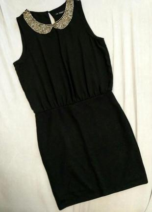 Элегантное чрное платье zara стрейч воротник бисер