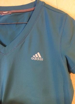 Спортивная футболка от adidas