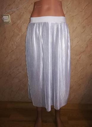Классная плиссированная юбка миди atmosphere