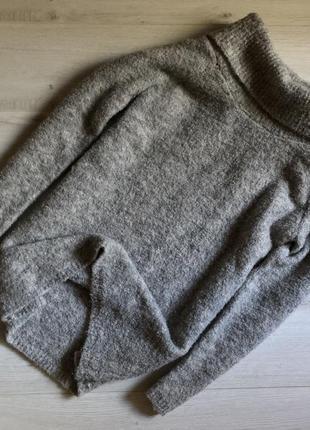 Серый плюшевый свитер george