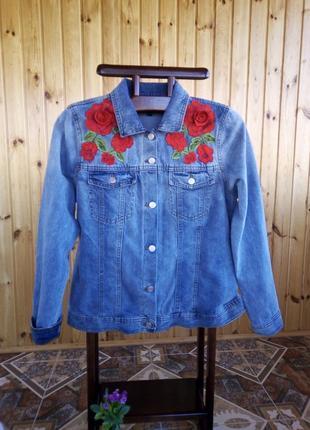 Джинсовая куртка с вышивкой 18 размер