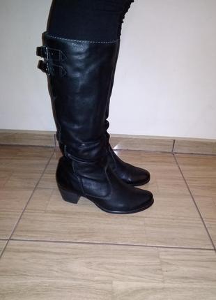 Фирменные кожаные сапожки 38 р tamaris