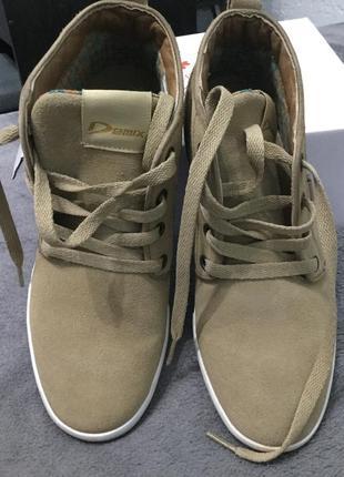 Кожаные ботинки фирменные demix