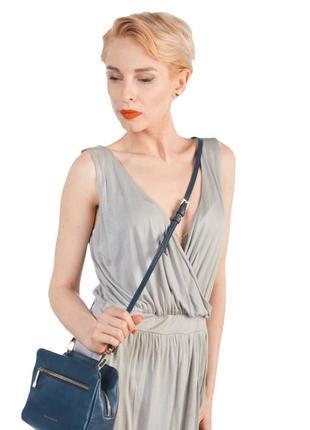 Продаю стильное бежевое платье!  100% вискоза в отличном состоянии