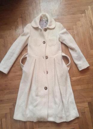 Интересное пальто весна -осень.
