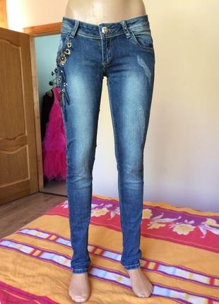 Красивые джинсы с бисером!
