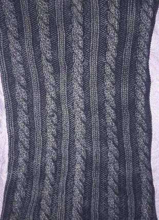 Фирменный шарф , хомут, капюшон.