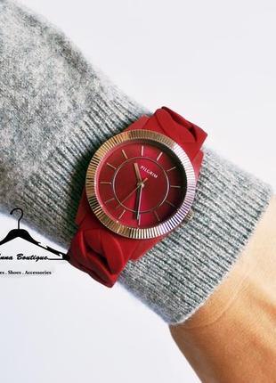 Потрясающие часы pilgrim