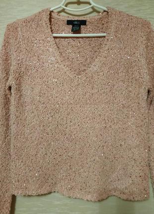 Красивый свитер с паэтками  нежно -розового  цвета , размер 42-44.