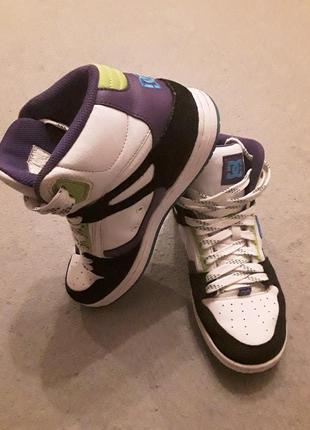 Распродажа! кожаные высокие кроссовки dc shoes