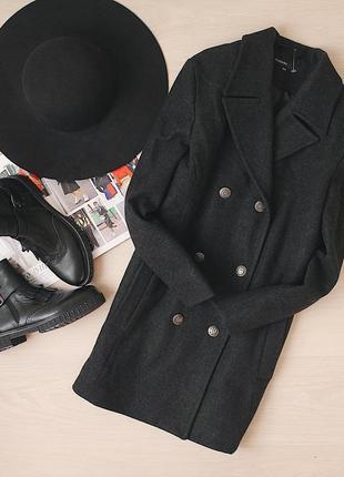 Теплое пальто прямого кроя 70% шерсти/70% wool