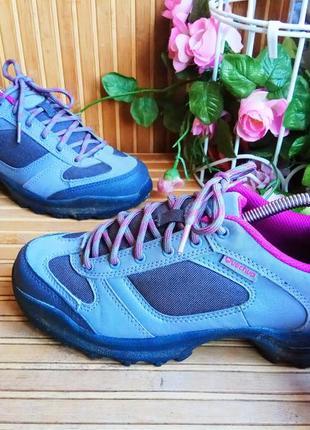 Кроссовки от quechua  37р