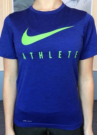 Спортивная футболка nike  для фитнеса тренировок