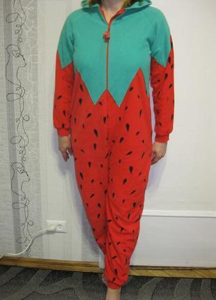 Кигуруми ягодка клубничка флисовая теплая пижама л-хл