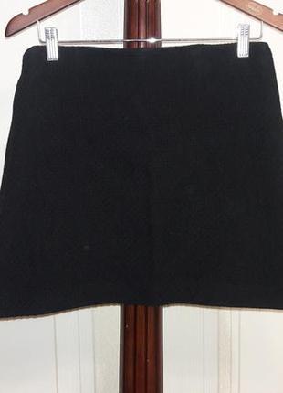 Зимняя черная юбочка шерстяная фактурная расклешенная короткая юбка