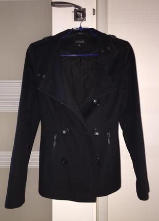 Брендовое чёрное пальто