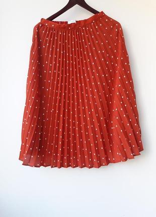 Трендовая плиссированная юбка