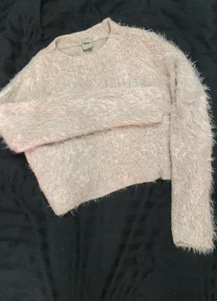 Пушистый нежный свитер