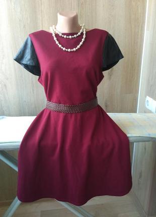Красивое платье с кожаными рукавами цвета бордо, батал, большой размер, 52-54