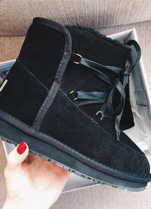 Угги на шнуровке, черные