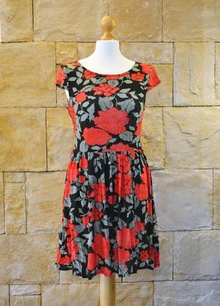Акция 1+1=3! -платье из вискозы в цветочный принт dorothy perkins -размер m
