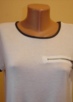 Белая футболка с окантовкой под кожу--atmosphere--madrid2