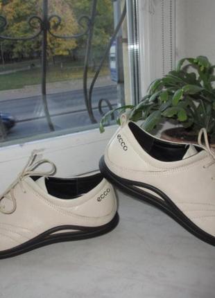 Кожаные туфли ecco 39 р