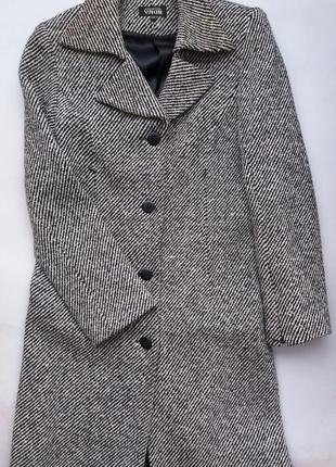 Пальто утеплене розпродаж