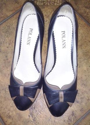 Кожаные туфли polann