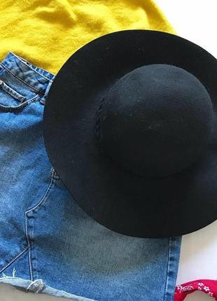 🙀неймовірна шляпка з великими полями ,з дуже гарною косичкою