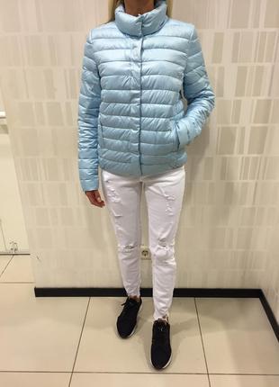Демисезонная голубая куртка стёганая курточка на кнопках. amisu.
