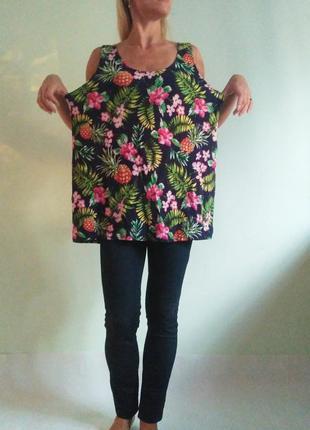 Яркая трикотажная блуза в ананасы