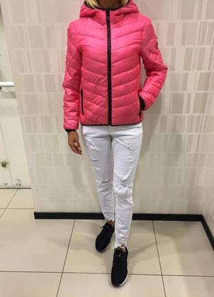 Демисезонная курточка розовая стёганая куртка на синтепоне. amisu.