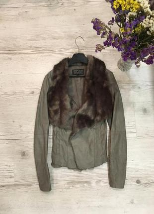 Трендовая стильная куртка кожанка косуха мех актуальная