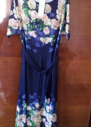 Красивое нарядное платье с поясом