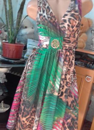 Очень красивое летнее платье с эффектным принтом от sogo