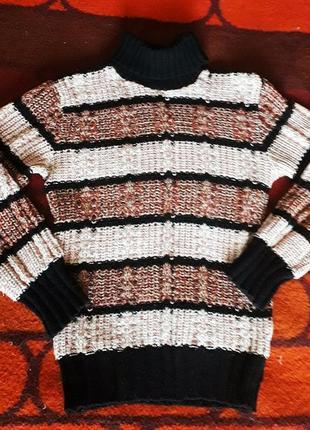 Уютный вазаный свитер
