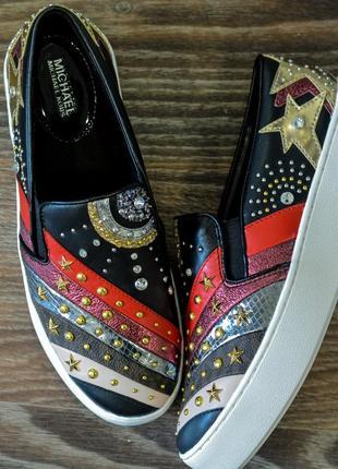 Слипоны michael kors trent metallic stud embellishment sneakers