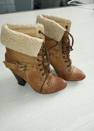 Ботинки из кожзама,37